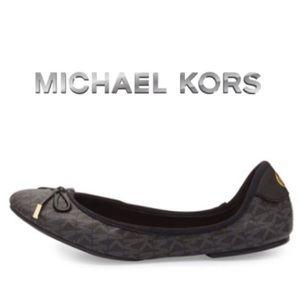 NWT MICHAEL KORS BLACK MONOGRAM BALLET FLATS 8.5